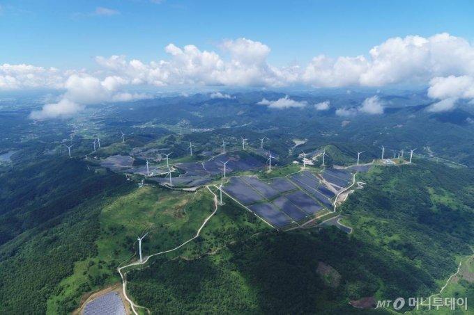 LS ELECTRIC이 구축한 국내 최대 94MW급 영암태양광발전소 전경. / 사진제공=LS ELECTRIC 제공