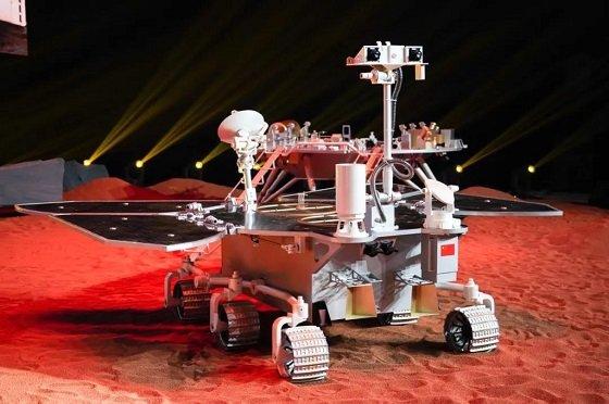 중국의 화성 탐사 로버 '톈먼 1호'/사진=CCTV 캡쳐