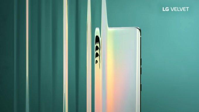 LG전자가 지난달 중순 LG 모바일 글로벌 유튜브 채널에 업로드 한 LG 벨벳의 제품 소개 영상 화면. /사진=LG전자