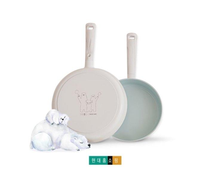 현대홈쇼핑은 오는 31일부터 일반 가정에서 사용하지 못하는 프라이팬을 직접 수거해 재활용하는 '북극곰은 프라이팬을 좋아해' 캠페인을 진행한다고 29일 밝혔다. /사진제공=현대홈쇼핑