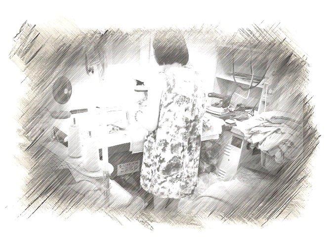 엄마의 재단 작업실. 떨어지는 걸 무서워하는 아이를 위해, 아예 집에서 일하기로 했다./사진=남형도 기자, My sketch 앱으로 스케치.