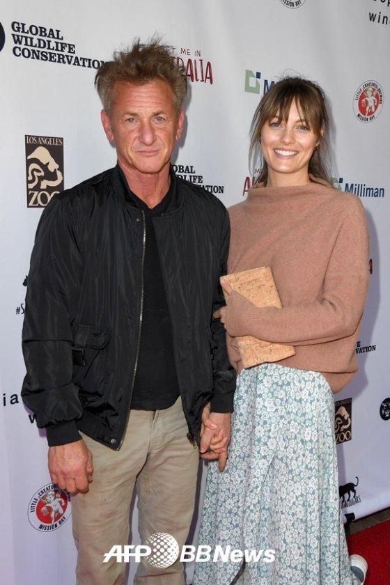 숀 펜과 레일라 조지가 4년 연애 끝에 비밀 결혼식을 올렸다. /사진=AFPBBNews뉴스1