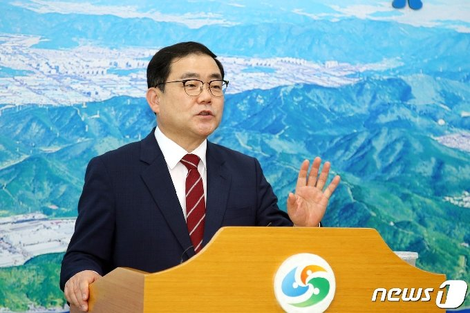 허성무 창원시장은 2일 시내버스 파업이 종료된 것과 관련 담화문을 발표했다. /© 뉴스1