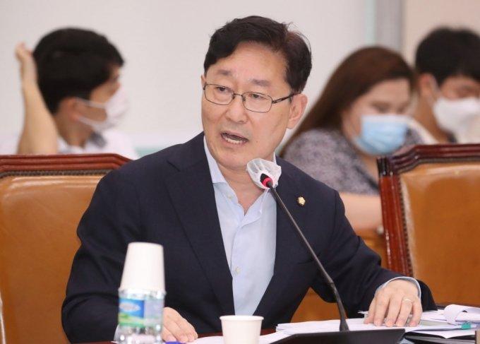"""""""월세가 뭐 나빠""""…윤희숙 저격하려던, 윤준병·박범계 '자책골'"""