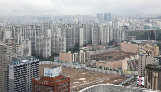 서울 송파구 재건축 추진 아파트 단지 전경. /사진제공=뉴스1