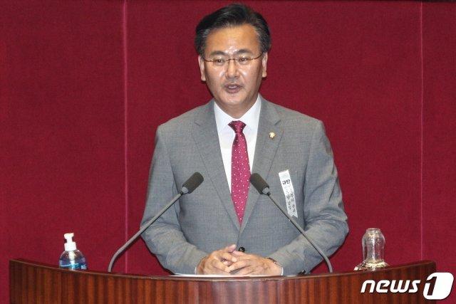 유상범 미래통합당 의원이 4일 오후 서울 여의도 국회에서 열린 제380회국회(임시회) 제8차 본회의에서 공수처법 반대 토론을 하고 있다. /사진=뉴스1.