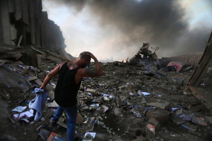 레바논 수도 베이루트의 항구에서 폭발이 일어난 모습./사진=AFP