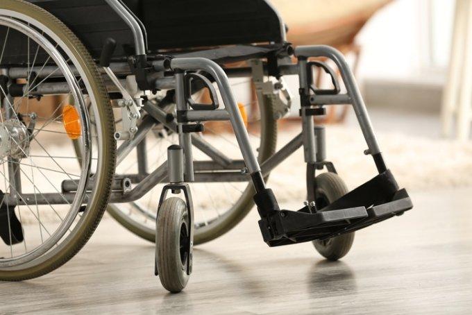 휠체어 배려석, 영화관엔 있지만 '법원엔 없다'
