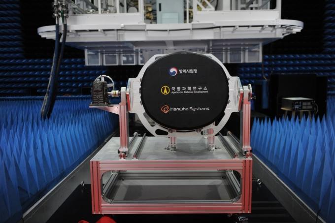 국내 기술로 개발한 '전투기의 눈'…AESA 레이더 나왔다