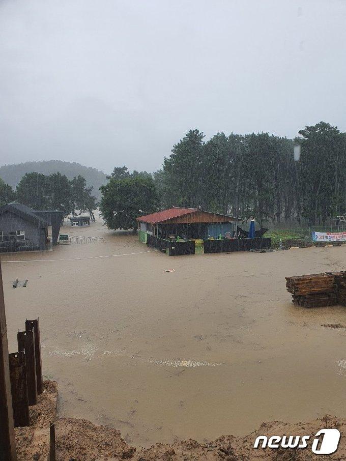 전북 용담댐 방류로 충북 영동군에 이어 옥천군도 4개면에 대피령을 내렸다. (독자제공)© 뉴스1