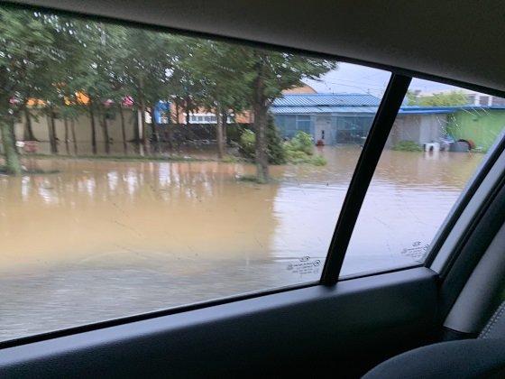 집이 물에 잠긴 전남 담양군 모습/사진=박경담 기자