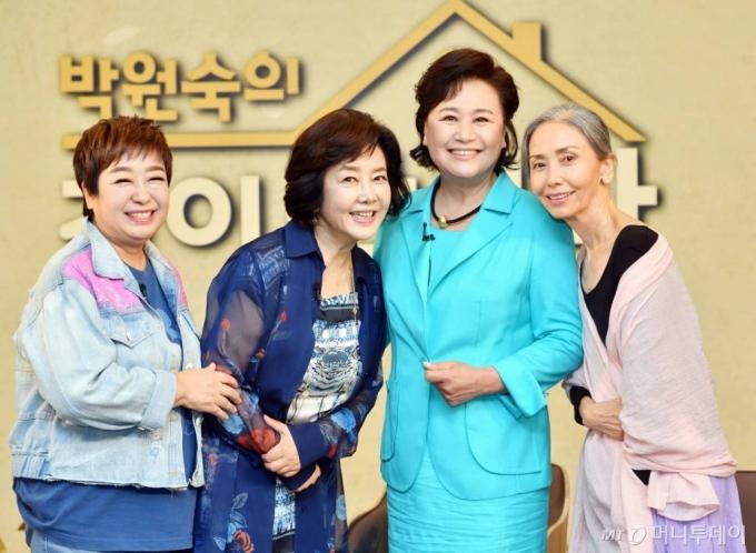 가수 혜은이, 배우 김영란, 박원숙, 문숙./ 사진제공=KBS