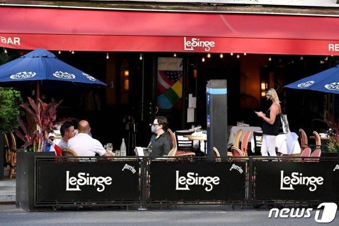 뉴욕의 한 식당
