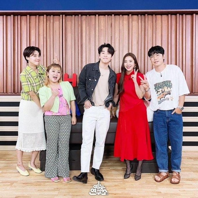 27일 게재된 '나 혼자 산다' 녹화 사진/사진=MBC 예능연구소 인스타그램