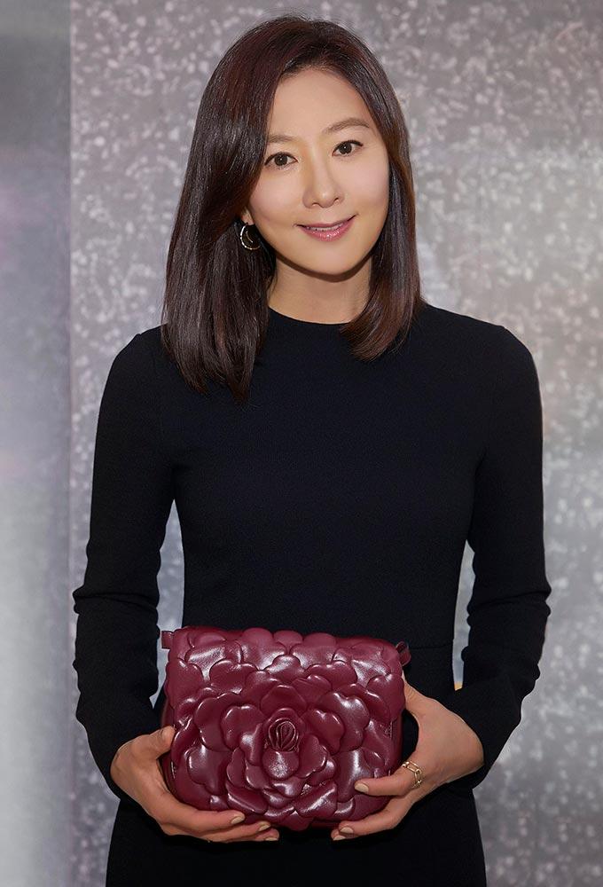 배우 김희애/사진제공=발렌티노