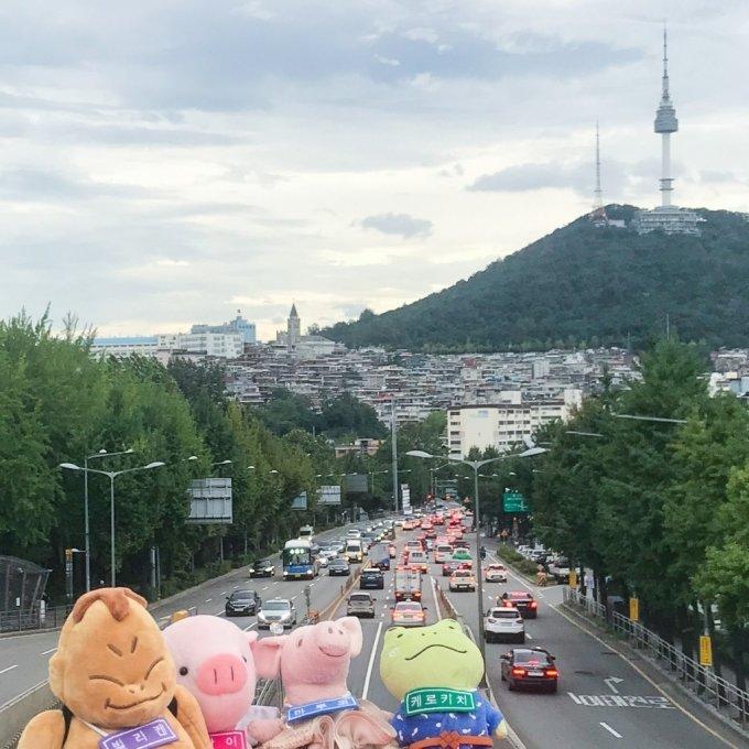 한국관광공사가 지난달 일본에서 진행한 방한 캐릭터인형 투어. /사진=한국관광공사
