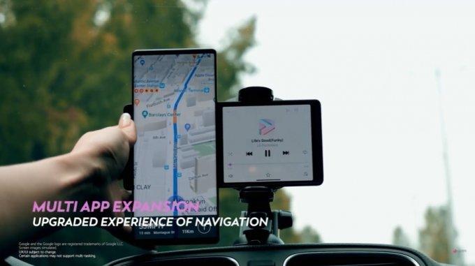 LG전자 전략 스마트폰 'LG 윙' 이용 모습