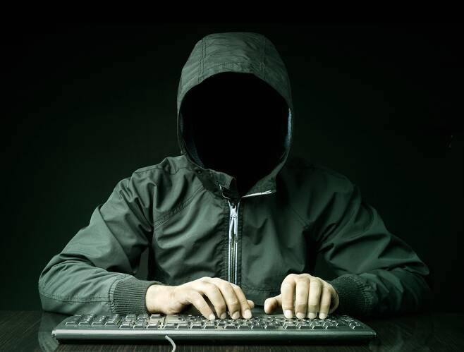 17살 소년에 당한 빌게이츠…재택근무 당신의 PC도 노린다