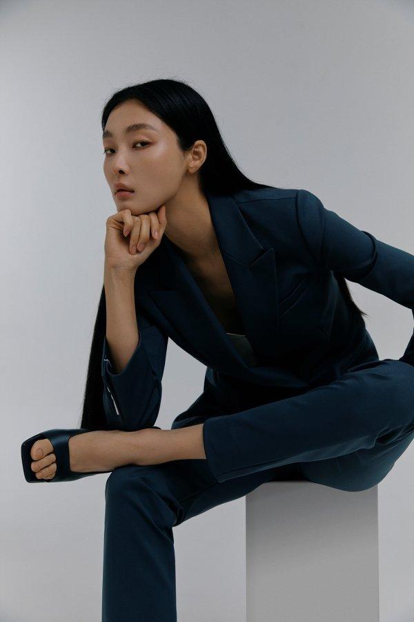 삼성물산 패션부문의 구호 에딧라인의 여성정장 셋업/사진=삼성물산 패션부문