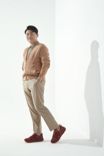 소리바다, '미스터트롯' 김호중과 패션 브랜드 세인트 마린 론칭