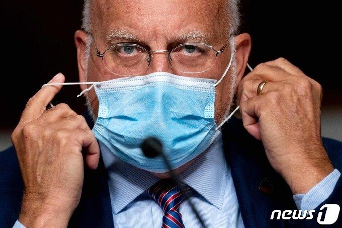 미국 보건당국인 질병통제예방센터(CDC)의 로버트 레드필드 국장 ⓒ AFP=뉴스1