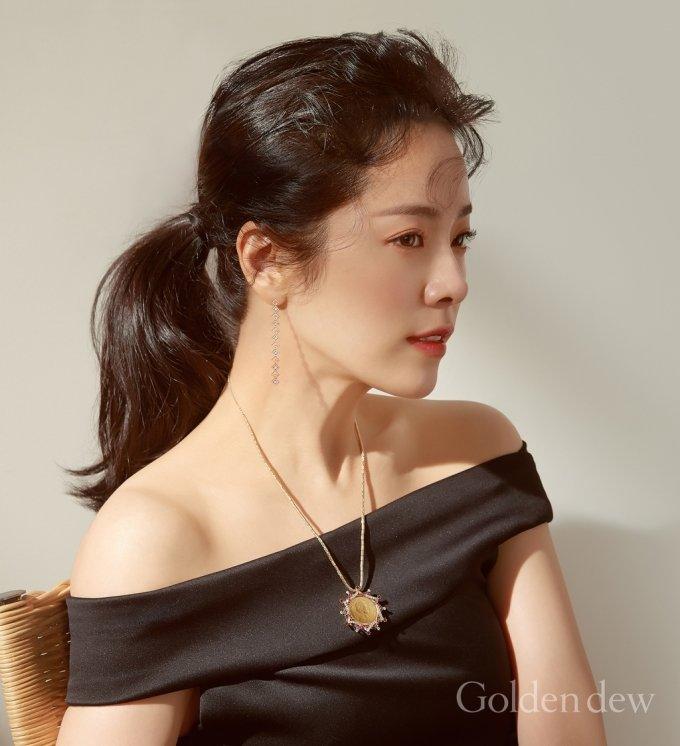 배우 한지민/사진제공=골든듀