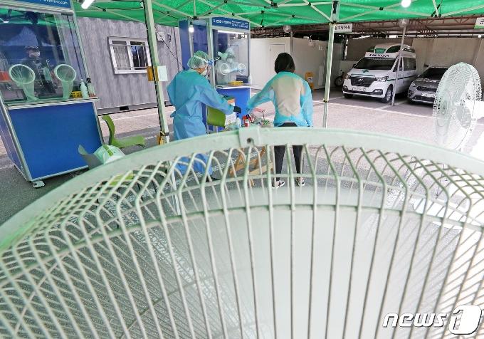 성남서 테니스 동호회발 4명 확진…최초 감염자 경로 미확인