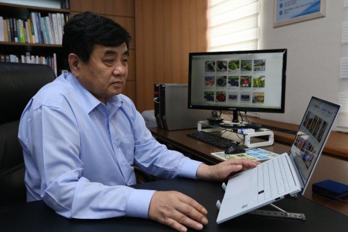 한상혁 방통위원장, 농산물 아동복지시설에 전달