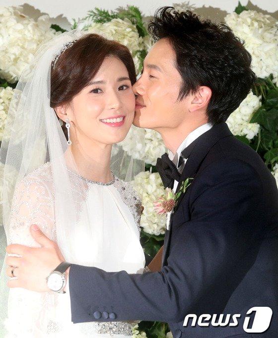 배우 지성-이보영 부부 © 뉴스1