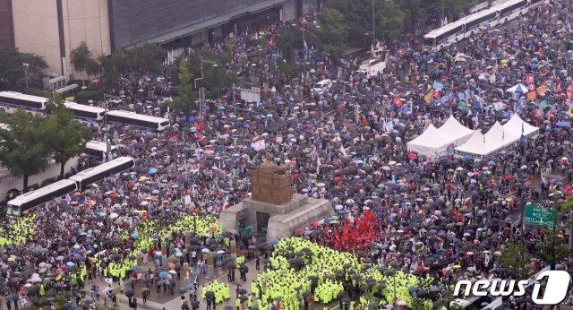 지난달 광복절 집회 당시 광화문 인근의 모습 /사진=뉴스1