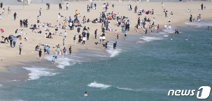 [사진] 추석, 해운대 찾은 시민들