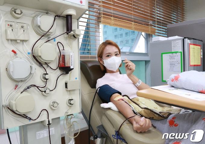 [사진] 추석 맞아 헌혈하는 오정연