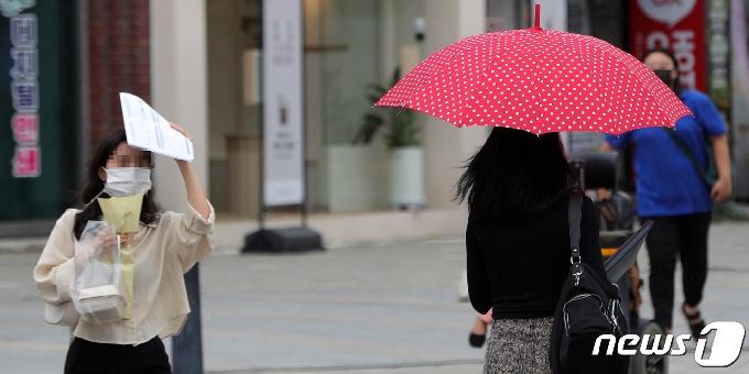 [오늘의 날씨]인천(2일, 금)…흐리고 오후부터 비, 최고 10㎜예상