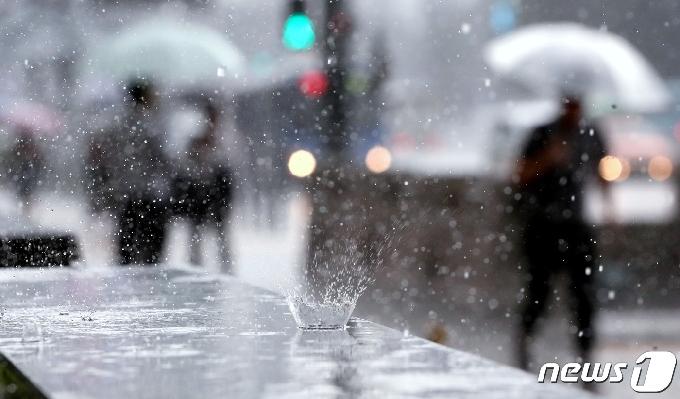 [오늘의 날씨]강원(2일,금)…일교차 큰 가을 날씨 '영서 약한 비'