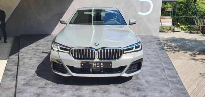 BMW 뉴 5시리즈 정면