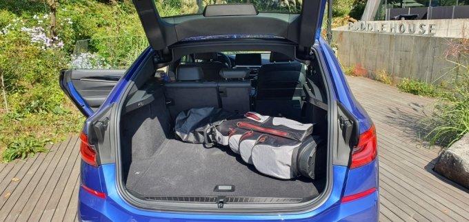 BMW 뉴 6시리즈의 트렁크 모습.