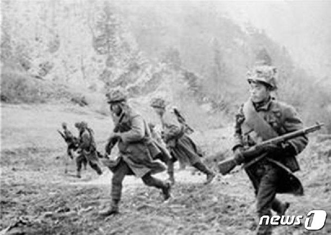 1968년 3군단이 벌인 울진·삼척지구 무장공비 소탕 작전 모습.(3군단 제공)© 뉴스1
