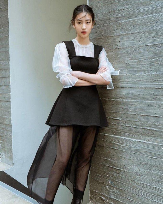 """비, 예고했던 '작은 소식'은?…""""17세 신인 배우 오예주"""""""