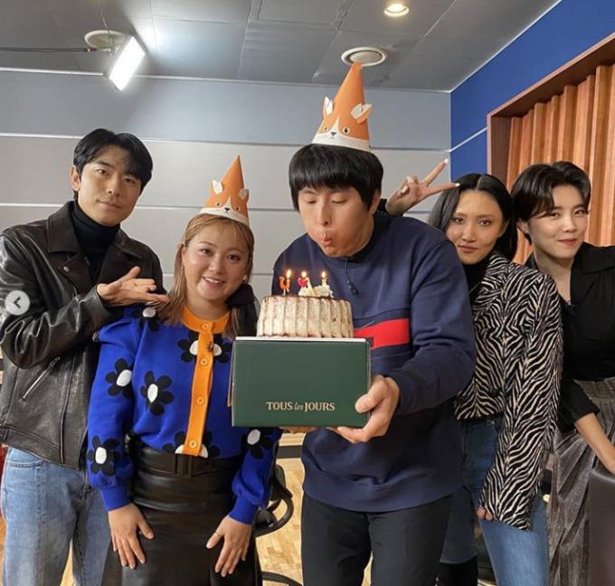 기안84, 박나래와 합동 생일파티…