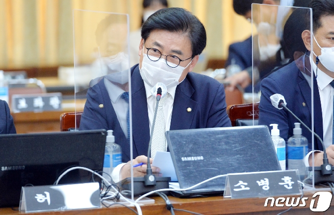 [사진] [국감] 질의하는 소병훈 의원