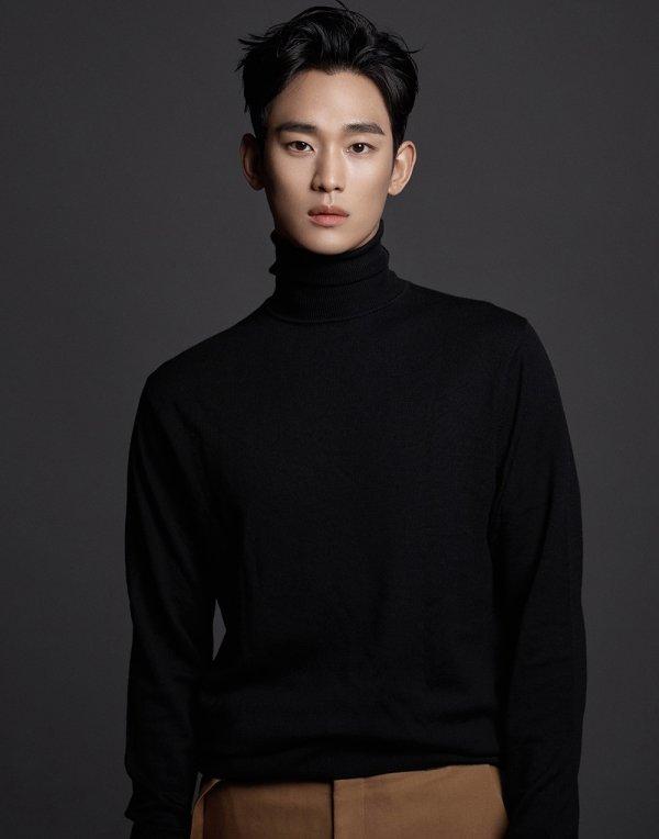쌍방울의 모델로 새롭게 발탁된 김수현/사진=쌍방울