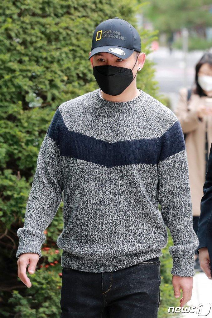 [사진] 첫 공판 참석하는 김형인