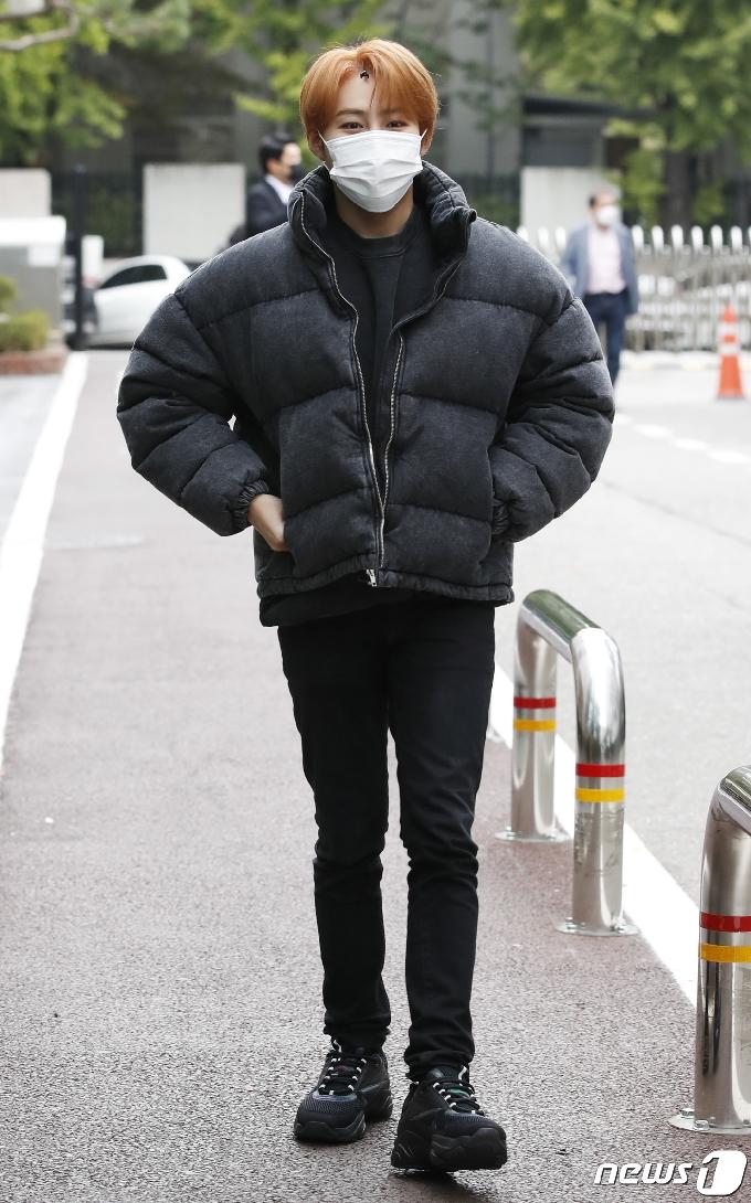 [사진] 하성운 '방송국 온 대왕구름'