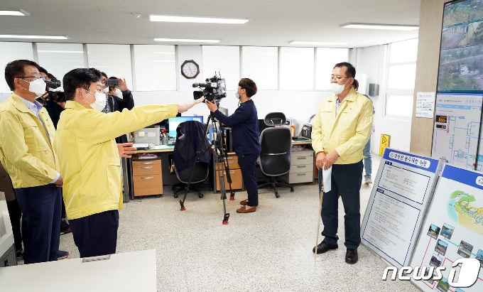 [사진] 제주 수돗물 유충 사태 긴급점검