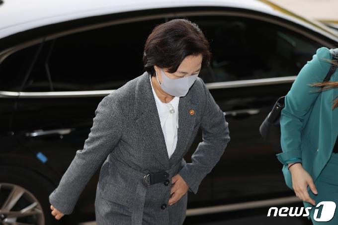 추미애 '윤석열 입' 신경쓰였나…국감 하루전 기선제압