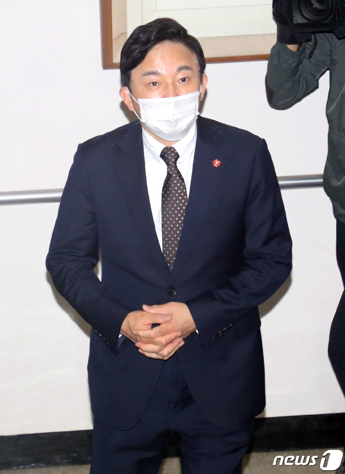 [사진] 첫 공판 출석하는 원희룡 제주지사