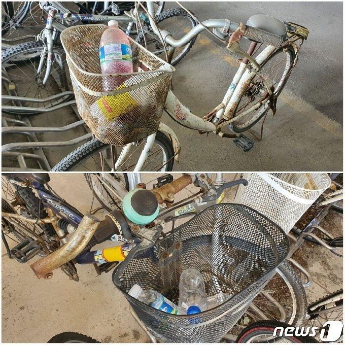 부산 강서구 도시철도 3호선 대저역, 강서구청역 자전거 보관소에 있는 일부 폐자전거에 쓰레기가 버려져 있다.2020.10.20/뉴스1© 노경민 기자
