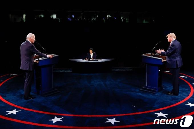 트럼프-바이든 최종 TV토론 미국인 2140만명이 봤다