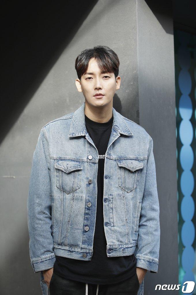 서울 종로구 삼청동 카페. '아름다운 남자, 시벨롬(si bel homme)' 박형근 인터뷰/뉴스1 © News1