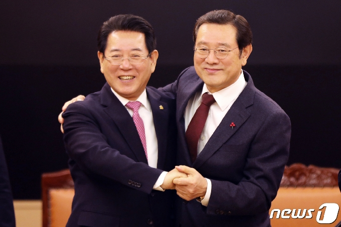 이용섭 광주시장·김영록 전남지사 27일 '행정통합' 논의